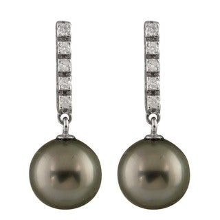 14k White Gold Tahitian Pearl and 1/5ct TDW Diamond Earrings (9-10mm)