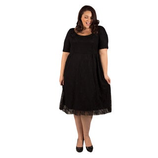 Sealed with a Kiss Women's Plus Size Kara Lace Dress