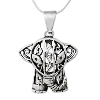 Handmade Sterling Silver 'Elephant Gaze' Necklace (Thailand)