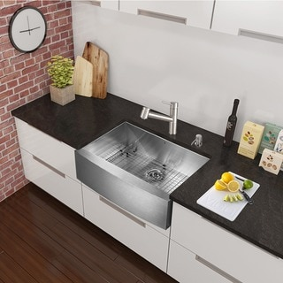 VIGO All-in-One 33-inch Stainless Steel Farmhouse Kitchen Sink and Branson Stainless Steel Faucet Set - Stainless Steel