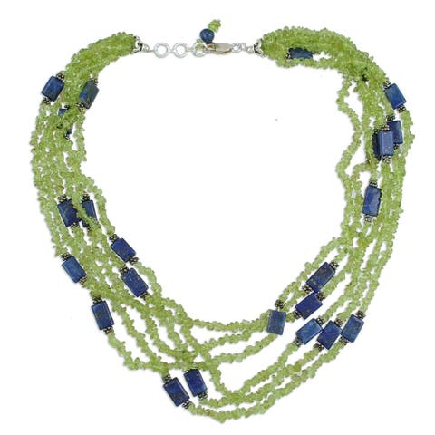 "Handmade Sterling Silver 'Spring Harmony' Peridot Lapis Lazuli Necklace (India) - 7'6"" x 9'6"""