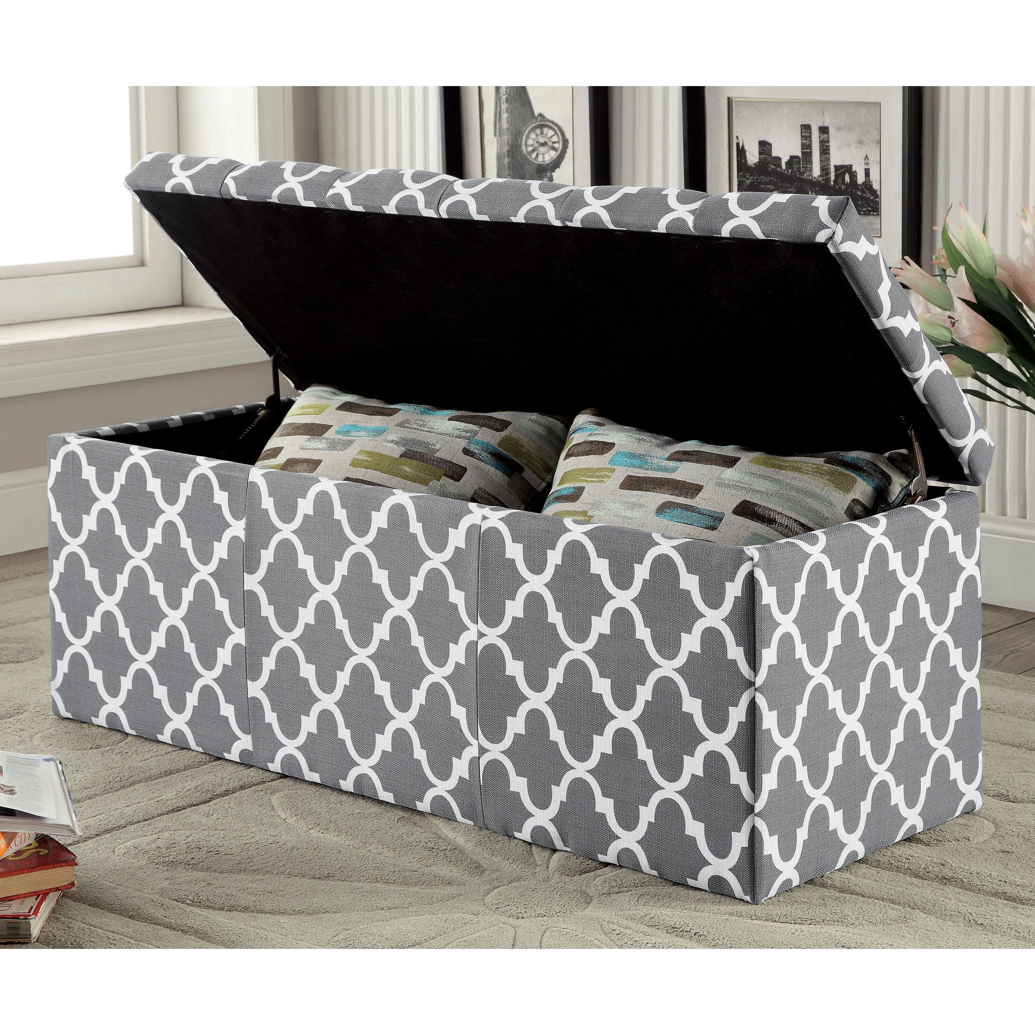 Furniture of America Monterey Quatrefoil Pattern Tufted L...