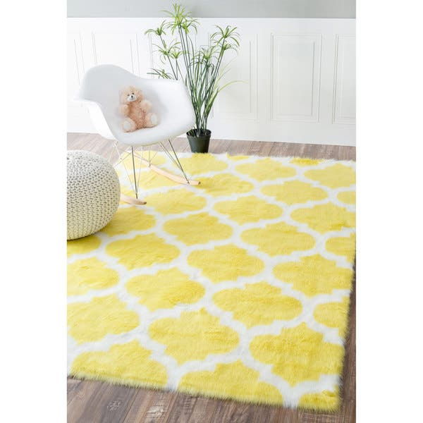 Nuloom Cozy Soft And Plush Faux Sheepskin Trellis Kids Nursery Yellow Rug 4 X 6