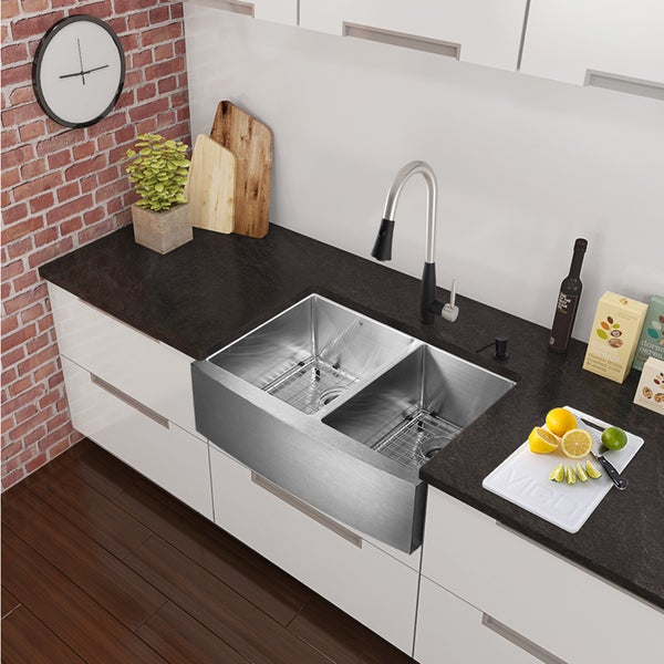 Vigo All In One 33 Bingham Stainless Steel Double Bowl Farmhouse Kitchen Sink