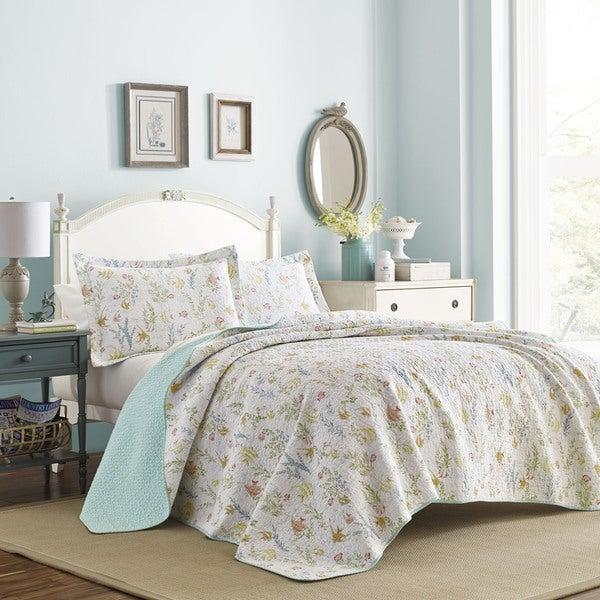 Laura Ashley Fish Frolic White Cotton Quilt Set