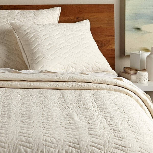 Chevron Ivory Cotton Quilt