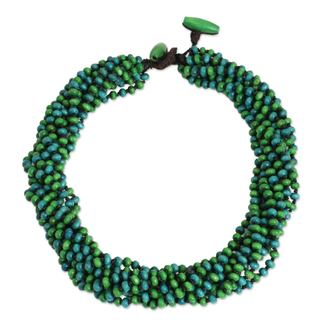 Handcrafted Littleleaf Boxwood 'Chao Phraya Belle' Necklace (Thailand)