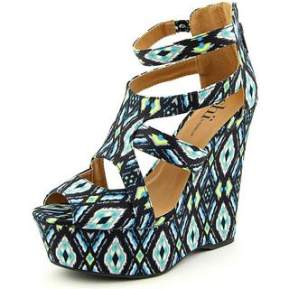 Famous Name Brand Women's 'Follow Me' Fabric Dress Shoes