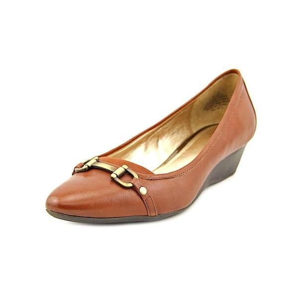 a153890aefb6 Shop Circa Joan   David Women s  Yelkira  Leather Dress Shoes - Free ...