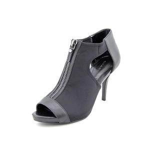 Tahari Women's 'Champion' Basic Textile Dress Shoes