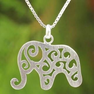 Handmade Sterling Silver 'Elephant Arabesque' Necklace (Thailand)