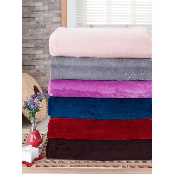 BERRNOUR HOME Silky Touch Blanket Velvet Plush Throw