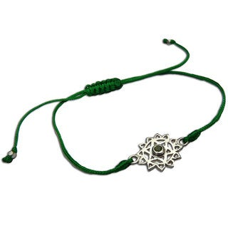 Handmade Heart Chakra Green Adjustable Charm Bracelet (India)