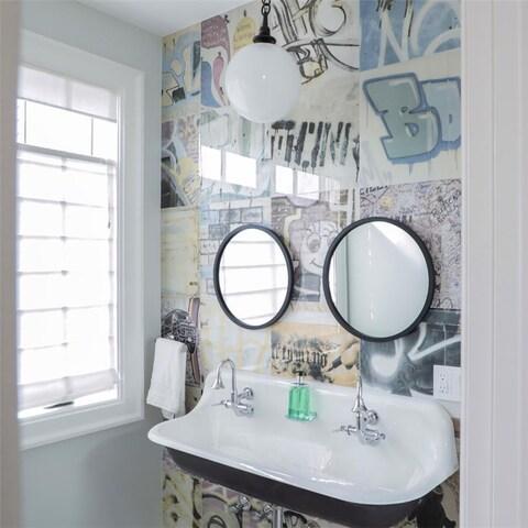 SomerTile 17.375x17.375-inch Graffiti Porcelain Floor and Wall Tile (5 tiles/10.8 sqft.)