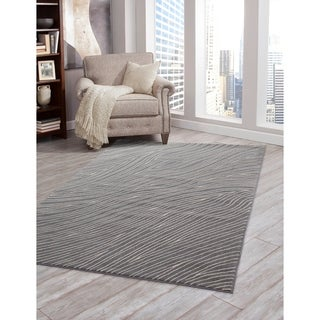 Greyson Living Mallory Grey/ Ivory Olefin Area Rug (5'3 x 7'6)