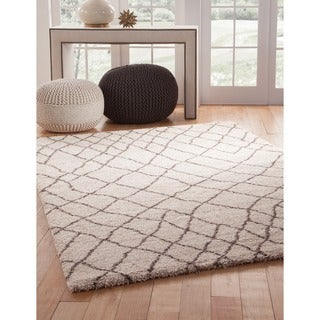 Greyson Living Laurel Ivory/ Brown Olefin Area Rug (5'3 x 7'6)