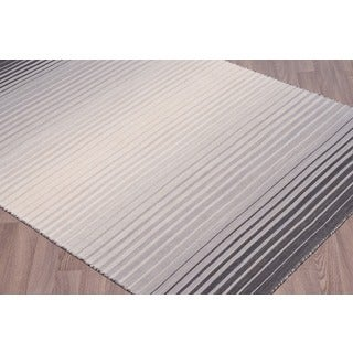 Hand-loomed Reversible Flatweave Wool Rug Grey Rug (5' x 7'6)