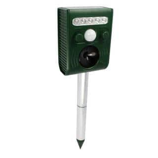 Solar Power Animal and Pest Repeller/ Outdoor Electronic Motion Detector Alert Sensor (sensitivity Adjustable)|https://ak1.ostkcdn.com/images/products/11487649/P18441297.jpg?impolicy=medium