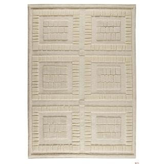 M.A.Trading Indian Hand-knotted Bergamo White Rug (5'6 x 7'10)