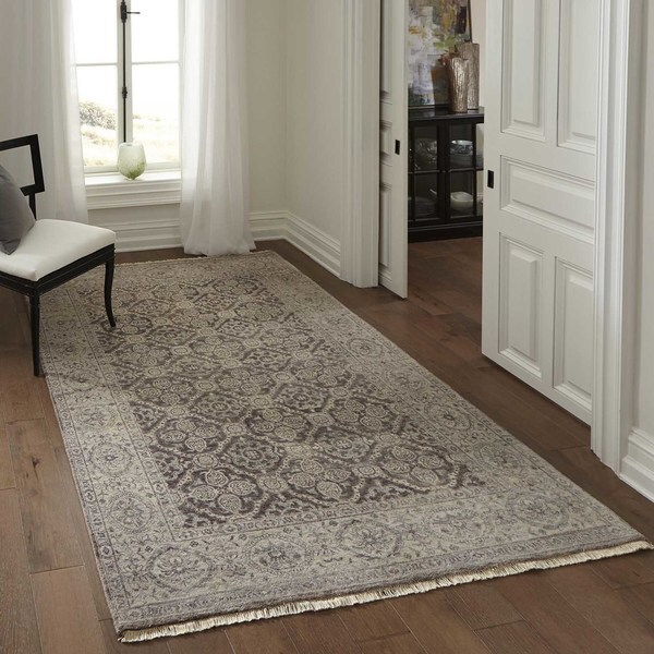 Momeni Palace Taupe Hand-Knotted Wool Rug - 3'9 x 5'9