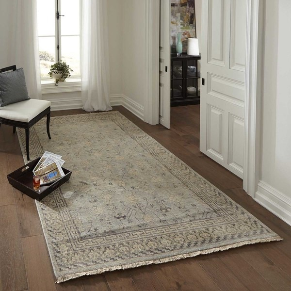 Momeni Palace Light Blue Hand-Knotted Wool Rug - 3'9 x 5'9