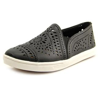 Earth Women's 'Tangelo' Black Leather Athletic