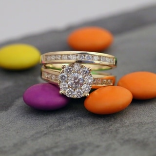De Couer 10k Yellow Gold 1 1/2ct TDW Diamond Cluster Engagement Ring Set with One Band (H-I, I2)