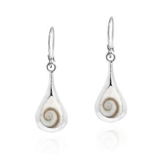 Handmade Enchanting Teardrop Shiva Shell .925 Silver Dangle Earrings (Thailand)