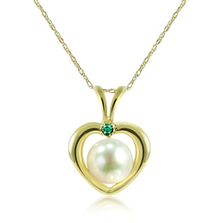 "DaVonna 14k Yellow Gold Heart Shape whit .05ctw Green Emerald and Round White Freshwater Pearl Pendant Necklace 18"" (5-5.5 mm)"