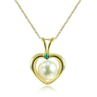 """DaVonna 14k Yellow Gold Heart Shape whit .05ctw Green Emerald and Round White Freshwater Pearl Pendant Necklace 18"""" (5-5.5 mm)"""