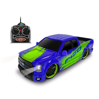 1:24 Scale Remote Control Ford Blue F-150 Truck