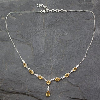 Handcrafted Sterling Silver 'Golden Princess' Citrine Necklace (India)