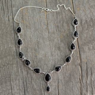 Handcrafted Sterling Silver 'Midnight Teardrop' Onyx Necklace (India)