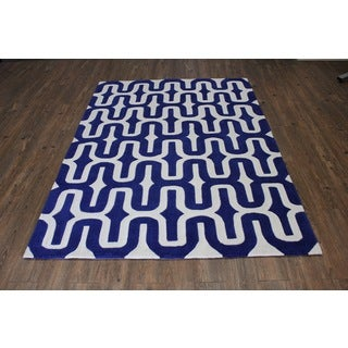 Blue White Area Rug (5' x 7')