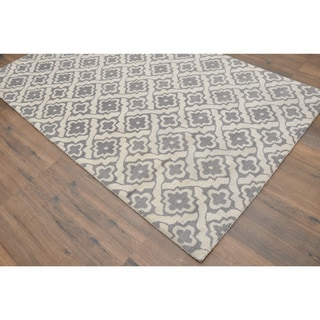 Hand-tufted Moroccan Star Trellis Dark Grey Wool Rug (5' x 8')