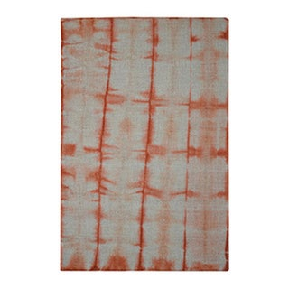 Hand-tufted Shibori Japanese Tie Dye Orange/ Ivory Wool Contemporary Area Rug (4' x 6')