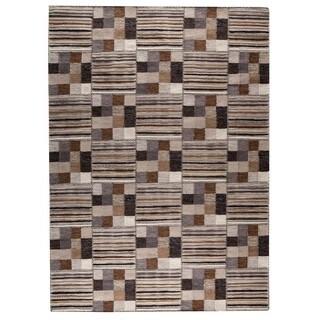 M.A.Trading Hand-woven Khema4 Light Grey Rug (4'6 x 6'6)