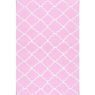 Hand-hooked Lattice Pink/ White Rug (2'8 x 4'8)