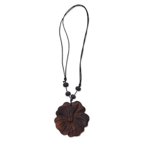 Handmade Sono Wood 'Shoe Flower' Necklace (Indonesia)