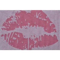 Hand-hooked Kiss Pink Polyester Area Rug - 2'8 x 4'4