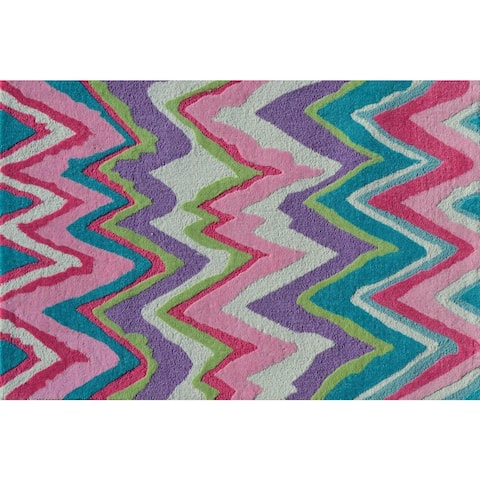 Hand-hooked Chevron Girl Pink Polyester Area Rug - 2'8 x 4'4