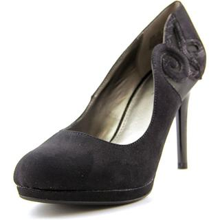 Bandolino Women's 'Dellmia ' Basic Textile Dress Shoes