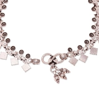 Handcrafted Sterling Silver 'Starlight Snowflakes' Anklet (India)