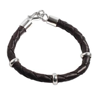 Handcrafted Men's Leather Sterling Silver 'Bold Black' Bracelet (Peru)