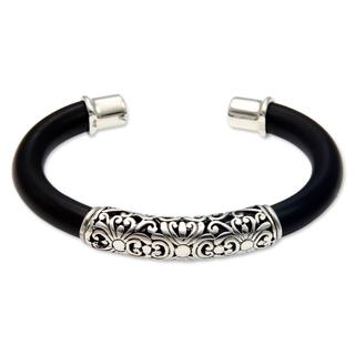 Handcrafted Sterling Silver 'Magnificent Bali' Bracelet (Indonesia)