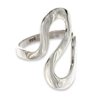 Handmade Sterling Silver 'Almost Infinite' Ring (Indonesia) (3 options available)