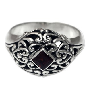 Handcrafted Sterling Silver 'Treasured Heart' Garnet Ring (Indonesia)