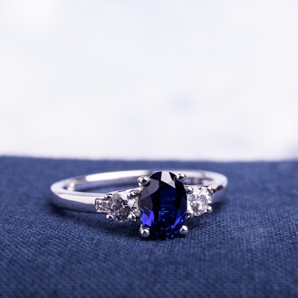 10k White Gold Diamond /& 1 3//5 Ct Garnet Three Stone Fashion Ring GH I1;I2