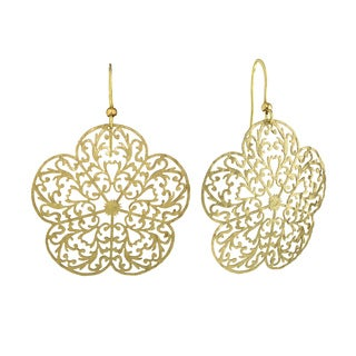 Isla Simone - Gold Tone Flower Etched Earring