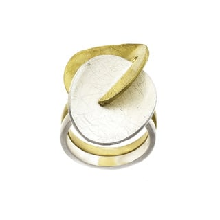 Isla Simone - Two-Tone Interlocking Ring|https://ak1.ostkcdn.com/images/products/11545752/P18490940.jpg?impolicy=medium
